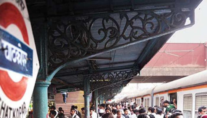 घाटकोपर स्टेशनवर प्रवासी संख्येत वाढ