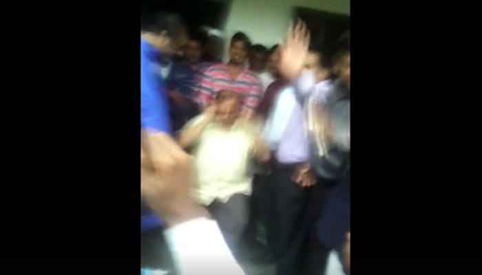 व्हिडिओ : 'इस्लाम'चा अपमान; जमावानं हिंदू शिक्षकाला अशी दिली शिक्षा...