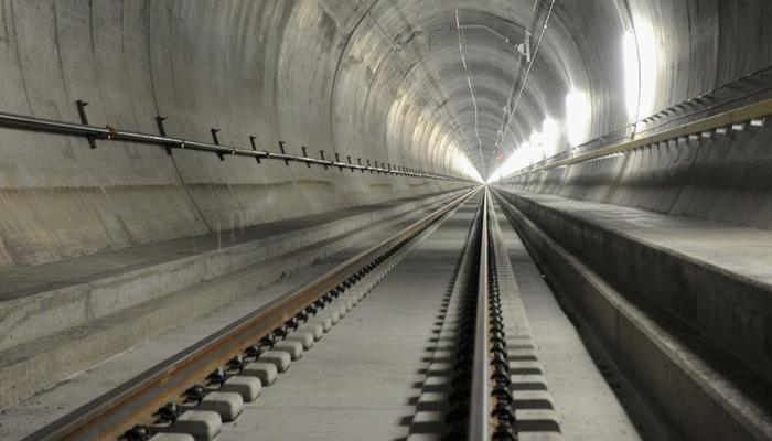 जगातील सर्वात मोठ्या लांबीचा रेल्वे बोगदा खुला