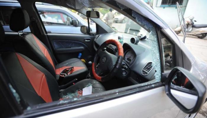 पिंपरी-चिंचवडमध्ये २२ गाड्यांची तोडफोड, मनसे पदाधिकाऱ्याची गाडीला लक्ष