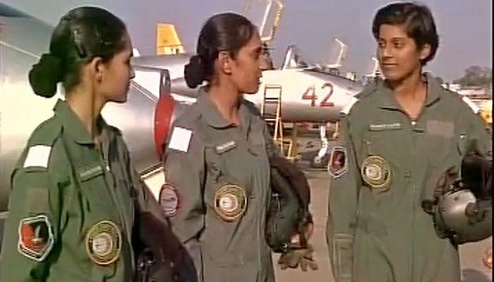 ऐतिहासिक : पहिल्यांदाच देशाला मिळाल्या महिला फायटर पायलट