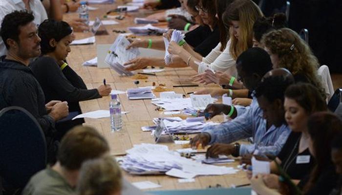 युरोपियन युनियनचा विरोध , निवडणुकीत रिमेन आणि लिव्ह कॅम्पमध्ये अटीतटीचा सामना