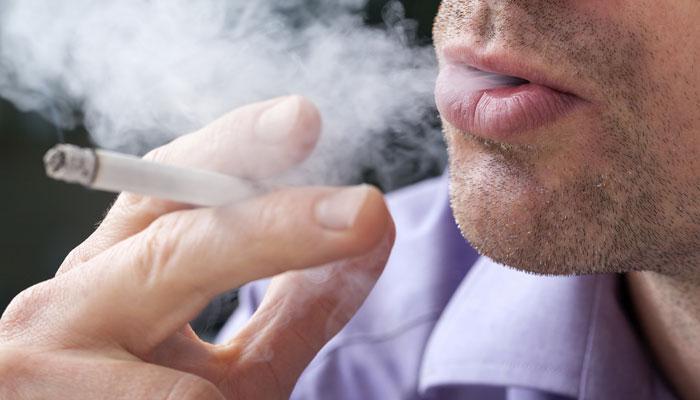 धूम्रपानामुळे प्रजनन क्षमतेवर होतो परिणाम