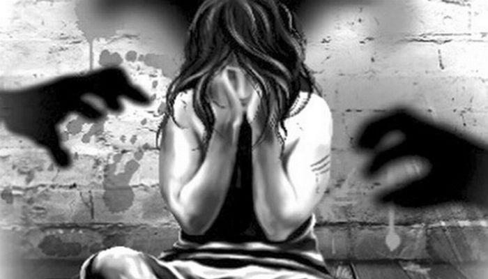 शाळेतल्या आवारातच शिक्षकांचा मुलींवर लैंगिक अत्याचार