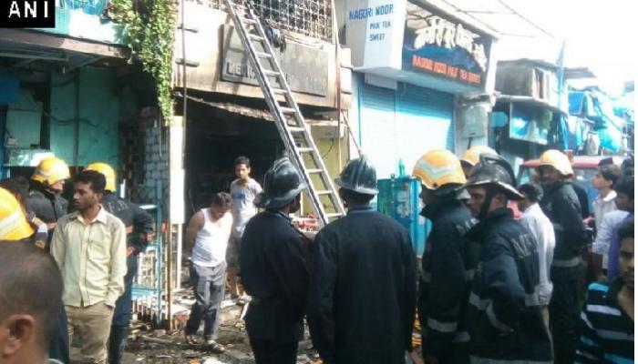 अंधेरी येथील आगीत ९ जणांचं अख्खं कुटुंब होरपळं
