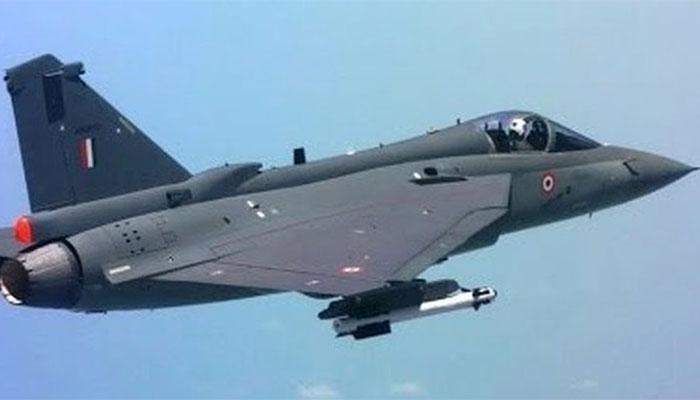 भारतीय वायूसेनेत दोन लढाऊ विमाने दाखल