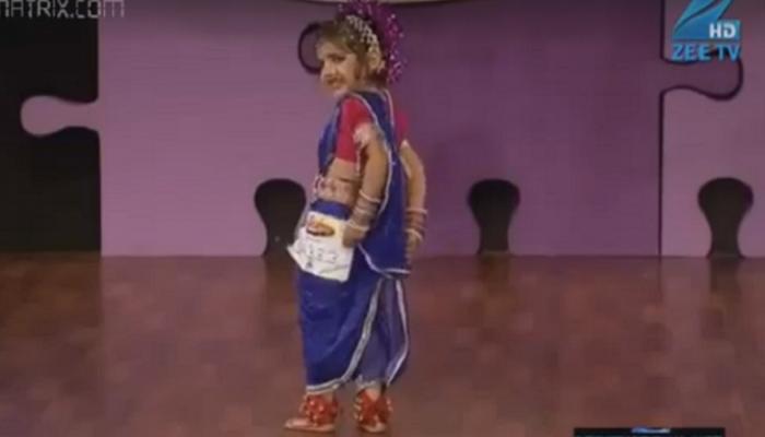 देहभान विसरुन नाचणाऱ्या मराठमोळ्या चिमुरडीचा व्हिडिओ वायरल