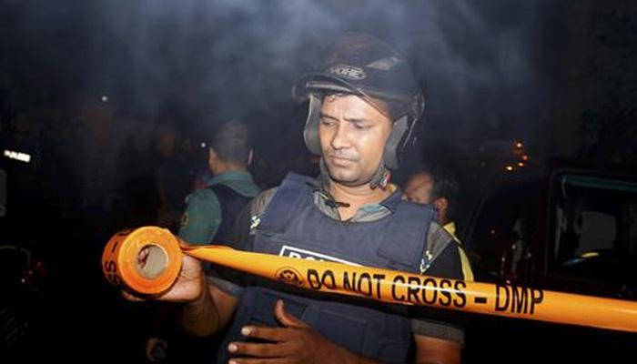 बांग्लादेशात ISISचा दहशतवादी हल्ला, २० जणांचा मृत्यू?