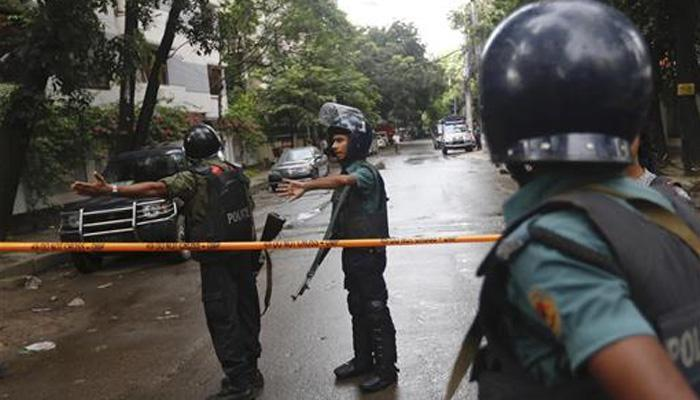 ढाका हल्ला :  १३ ओलिसांची सुटका, ५ अतिरेक्यांना मारण्यात यश