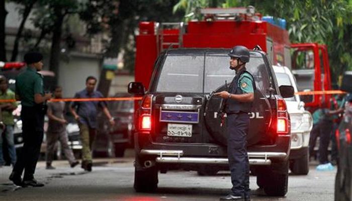 बांग्लादेशातील बॉम्बस्फोट दोन पोलिसांचा मृत्यू, भारत धाडणार एनएसजी टीम