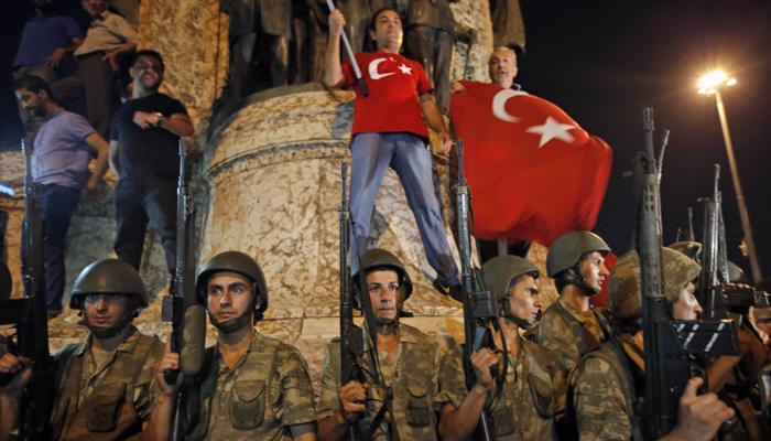 तुर्कस्तानमधील लष्करी उठावाचा काही तासांतच बीमोड