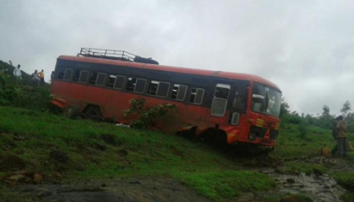 अहमदनगरमध्ये बसचा भीषण अपघात टळला