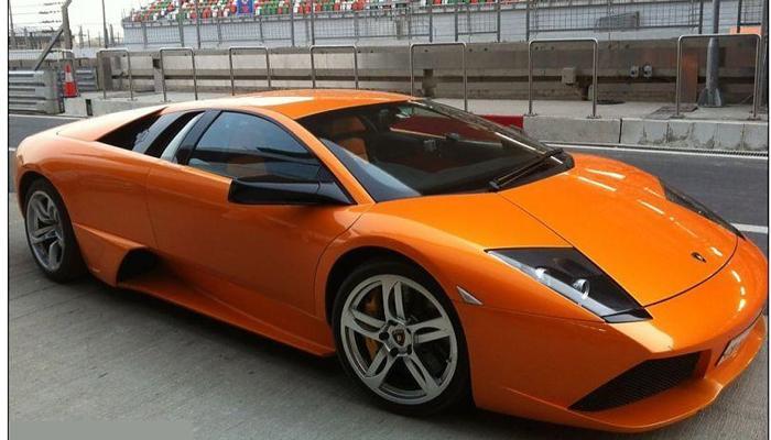 या क्रिकेटरकडे आहे सर्वात महागडी कार