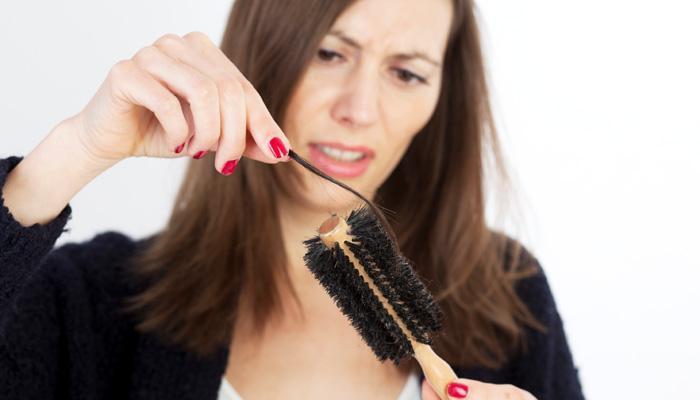 केसगळती रोखण्यासाठी ५ घरगुती उपचार