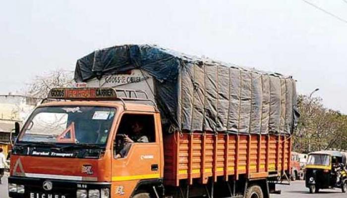 मुंबई - गोवा महामार्गावर अवजड वाहतूक बंदी, वाहतूक पर्यायी मार्गाने