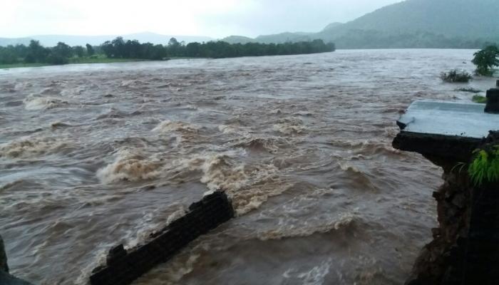 महाड पूल दुर्घटना : बेपत्ता नागरिक सापडले नाही तर मृत घोषित करणार : राज्य सरकार