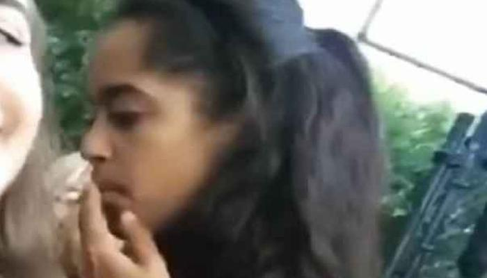 ओबामांच्या मुलीचा सिगरेट पितानाचा व्हिडिओ व्हायरल