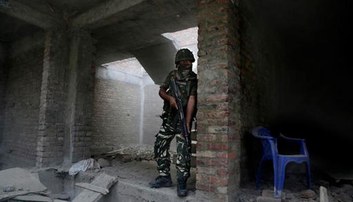 बारामुल्लात लष्कराच्या गस्तीपथकावर दहशतवादी हल्ला,  दोन जवान शहीद