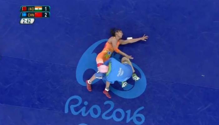 विनेष फोगटची कुस्तीमध्ये दुर्घटना, ऑलिम्पिकमधून बाहेर