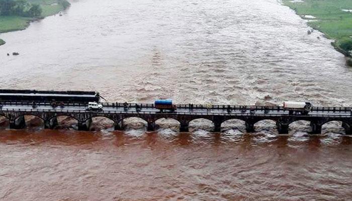 महाड-पोलादपूर पूल दुर्घटनेतील आणखी दोन मृतदेह सापडले