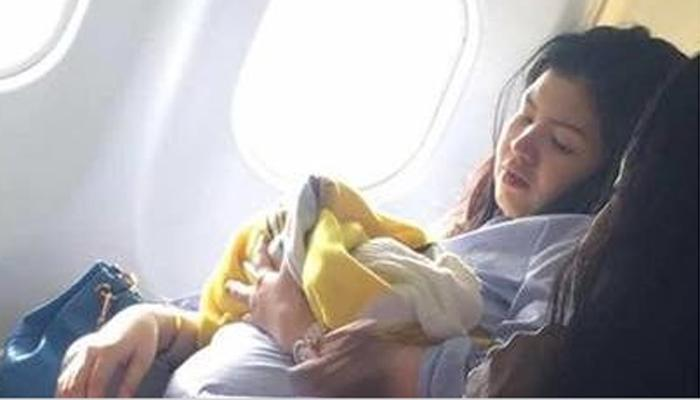 विमानात झाली डिलीव्हरी, मुलीला आयुष्यभर विमान प्रवास मोफत