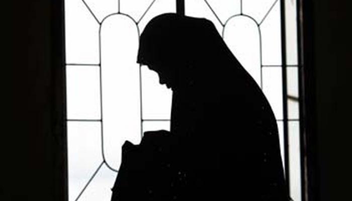 बलात्काराने जन्म झालेल्या बाळाला संभाळण्यास नकार