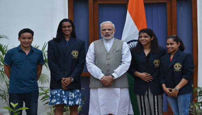 सिंधू-साक्षीनं घेतली पंतप्रधान नरेंद्र मोदींची भेट