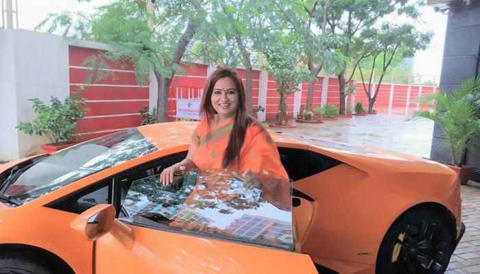 भाजपच्या आमदाराने पत्नीला दिलेल्या ४ कोटीच्या गाडीचा अपघात