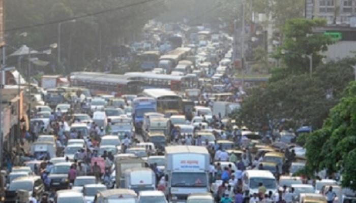 मुंबई - गोवा महामार्गावर वाहतूक कोंडी, एकेरी वाहतूक सुरु