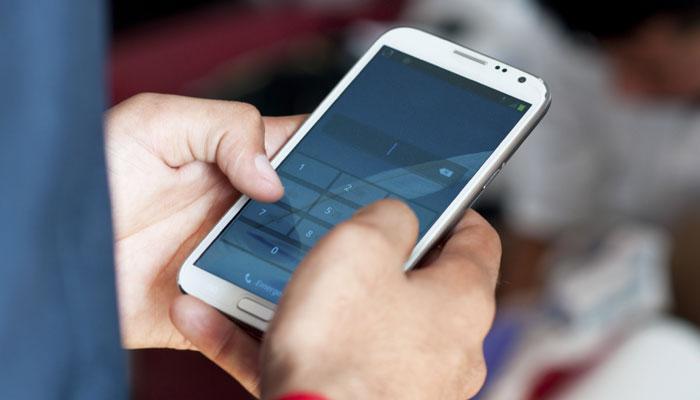 103.5 कोटी भारतीय वापरतात मोबाईल, एअरटेलचे ग्राहक सर्वाधिक