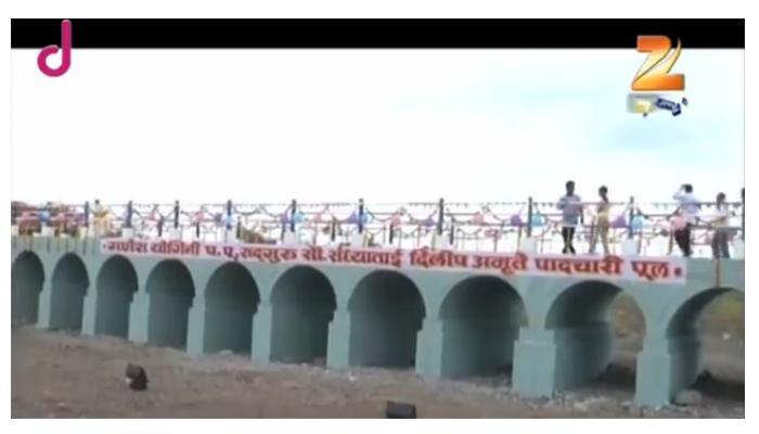 लोकसहभागातून ११० मीटर लांबीचा पूल बांधला