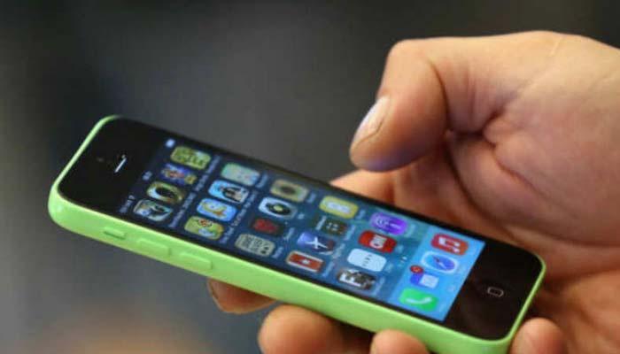 स्मार्टफोनमधील इंटरनेटचा स्पीड वाढवायचा असल्यास हे ५ उपाय करा