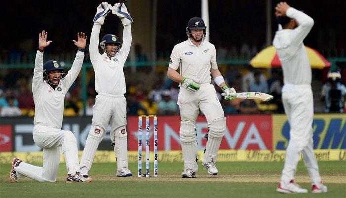 पहिल्या टेस्टमध्ये भारत मजबूत स्थितीत, 215 रनची आघाडी