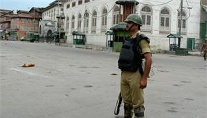 काश्मीरची संचारबंदी उठली, खरेदीसाठी नागरिकांची झुंबड