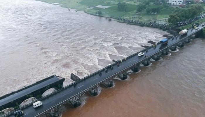 महाड पूल दुर्घटना नैसर्गिक कारणामुळेच