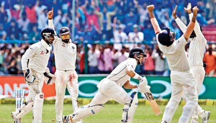 भारतीय टेस्ट खेळाडूंच्या मानधनात दुपटीनं वाढ