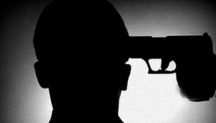 रजेवर आलेल्या लष्करी जवानाची गोळ्या झाडून आत्महत्या