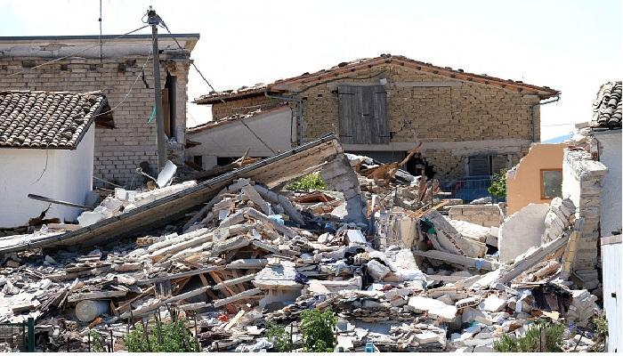 तीव्र भूकंपानं हादरला इटली देश