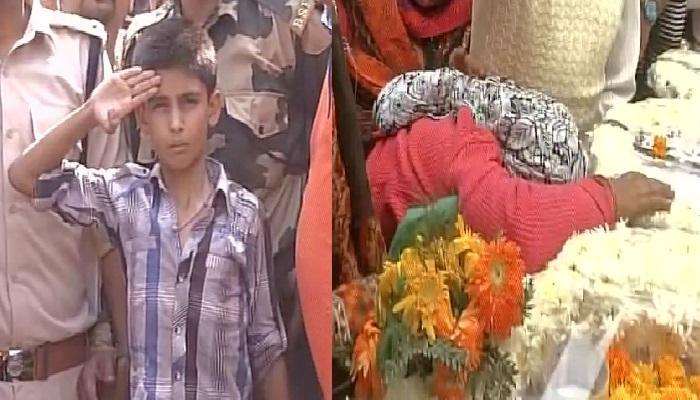 शहीद जवानाच्या मुलीने म्हटलं 'आता पंतप्रधान मोदीच आमचे पिता'