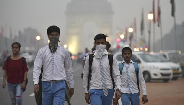 प्रदुषणामुळे राजधानी दिल्लीत 1800 शाळा बंद