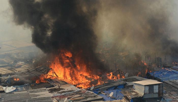 गोरेगाव परिसरात झोपडपट्टीला आग