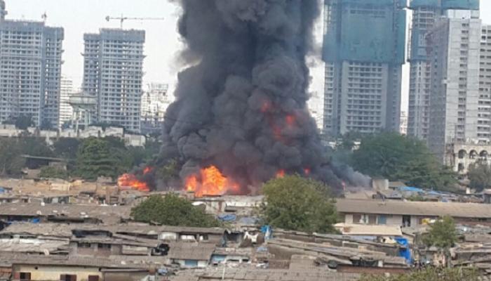 मुंबईत मोठी आग, ५०० फर्निचरचे कारखाने खाक
