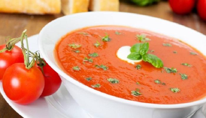 टोमॅटोचे सूप दूर ठेवेल आजारांना, जाणून घ्या याचे 7 फायदे