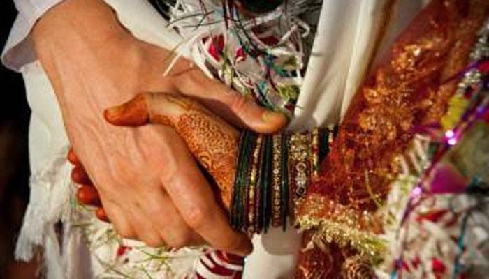 नोटाबंदीनंतर... ११०० रुपयांत पार पडला विवाहसोहळा!