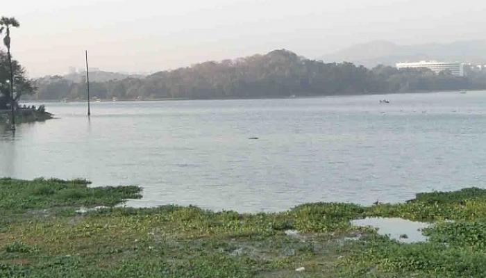 पवई तलावात दारू पार्टी सुरु असताना हाऊस बोट बुडाली, तीन जण बेपत्ता