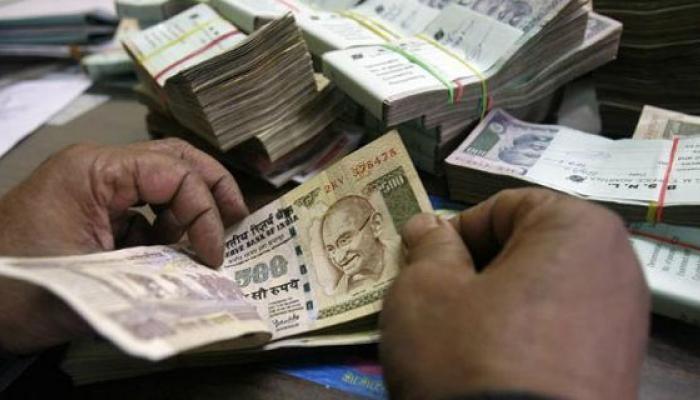 राज्यातील प्रसिद्ध ट्रस्ट देवस्थान संस्थानांना जुन्या नोटा बँकेत जमा करण्याचे आदेश
