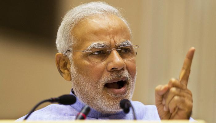 'बिना हाडाच्या जीभेनं पंतप्रधान मोदी काहीही बडबडतात'