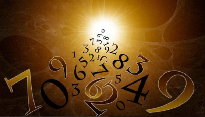 अंकशास्त्रावरुन जाणून घ्या कसे जाईल तुमचे हे वर्ष