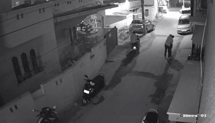 बंगळुरुमधला छेडछाडीचा आणखी एक धक्कादायक व्हिडिओ आला समोर