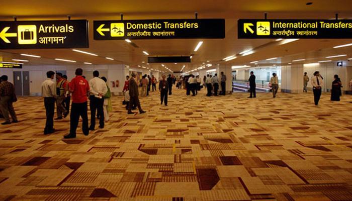 दिल्ली एअरपोर्टवर सॅन्डेलमध्ये लपवलेलं सोनं केलं जप्त